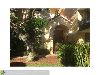 Plantation Condo/Townhouse For Sale: 10125 W Sunrise Blvd #101