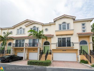 Oakland Park Condo/Townhouse For Sale: 2012 Coral Heights Ct #2012