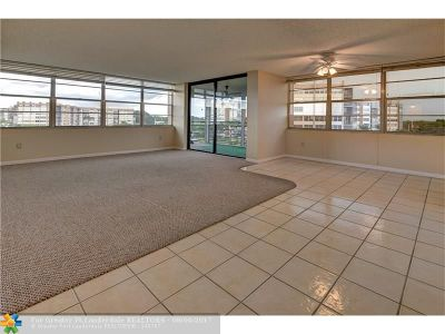 Pembroke Pines Condo/Townhouse Backup Contract-Call LA: 1100 Saint Charles Pl #518