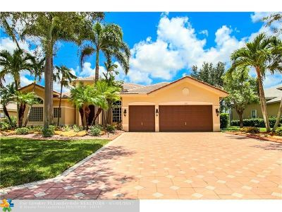 Davie Single Family Home For Sale: 10371 N Lake Vista Cir