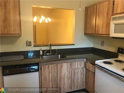 Pompano Beach FL Condo/Townhouse Sold: $117,900