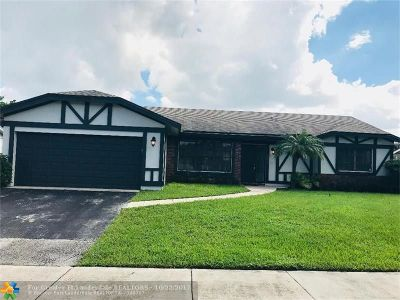 Cooper City Single Family Home For Sale: 5736 SW 118th Ave