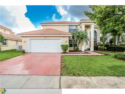 Pembroke Pines Single Family Home For Sale: 17307 SW 7th St
