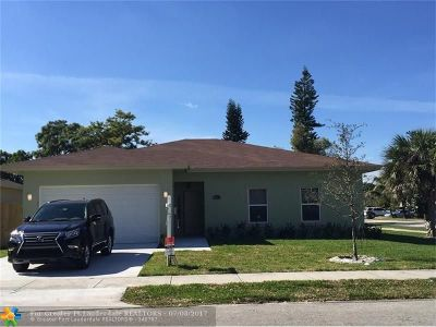 Oakland Park Single Family Home For Sale: 4087 NW 5th Ave