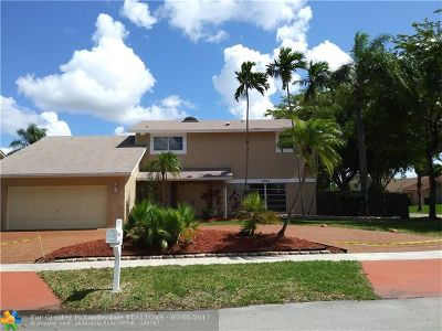 Lauderhill Single Family Home For Sale: 6940 NW 46th Ct