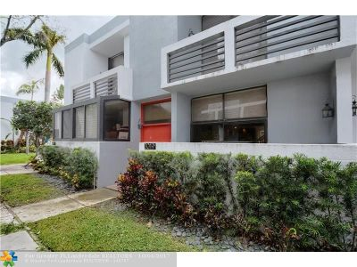 Aventura Condo/Townhouse For Sale: 3019 NE 183rd Ln #19