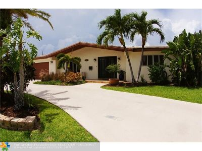 Lighthouse Point Single Family Home For Sale: 2731 NE 52nd Ct