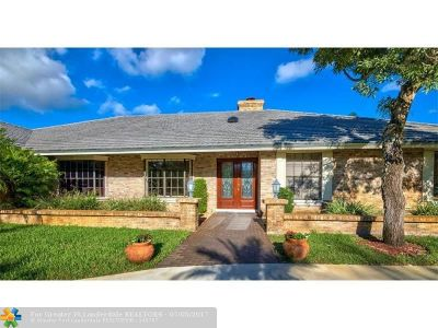 Broward County Single Family Home For Sale: 7311 Annapolis Ln