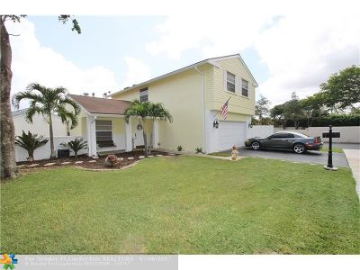 Davie Single Family Home For Sale: 13951 Oaklawn Pl