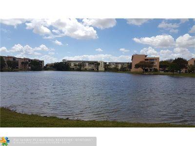 Miami Condo/Townhouse For Sale: 8895 Fontainebleau Boulevard #209