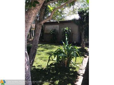 Davie Single Family Home Backup Contract-Call LA: 4240 SW 63rd Ave