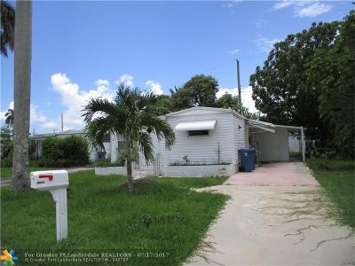 Davie Single Family Home For Sale: 8670 SW 18th St