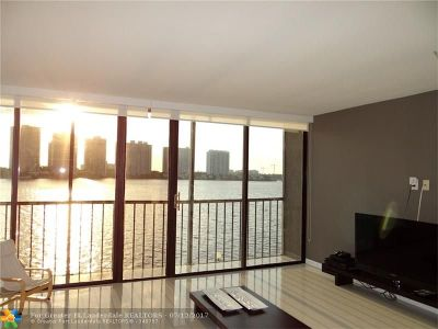 Sunny Isles Beach Condo/Townhouse For Sale: 17500 N Bay Rd #301S