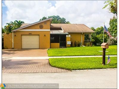 Deerfield Beach Single Family Home For Sale: 3866 NW 1st Dr