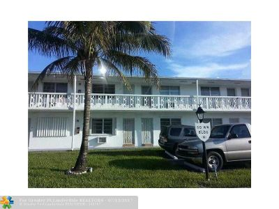 Miami Gardens Condo/Townhouse For Sale: 15 NW 204th St #29
