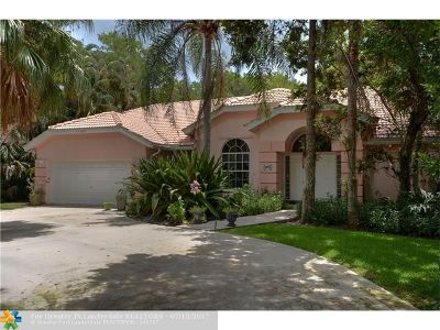 Lauderhill Single Family Home For Sale: 4896 NW 67th Ave