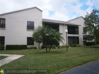 Coconut Creek Condo/Townhouse For Sale: 3683 NW 35th St #1683