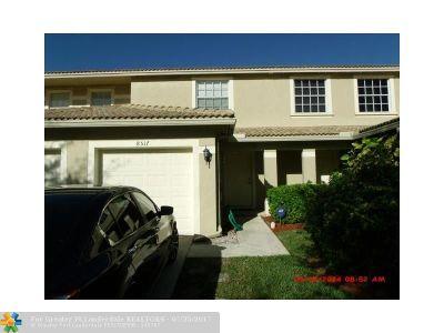 Tamarac Condo/Townhouse For Sale: 8517 E Southgate Shores Cir #8517