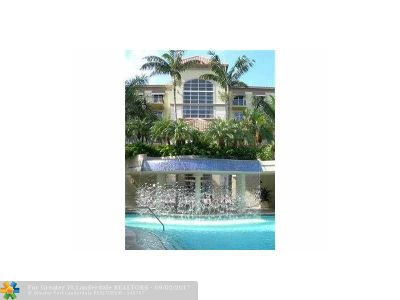 Wilton Manors Condo/Townhouse For Sale: 2609 NE 14 Ave #114