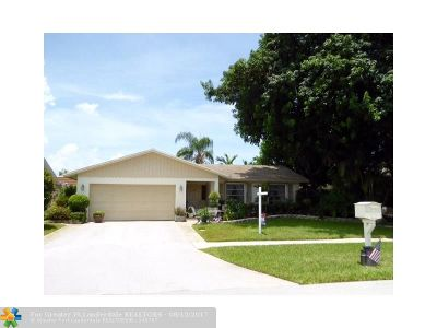 Deerfield Beach Single Family Home For Sale: 2821 SW 13th Ct
