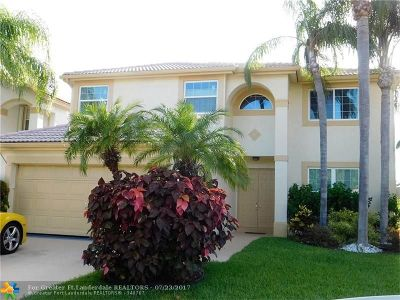 Boynton Beach Single Family Home For Sale: 7213 Chesapeake Cir