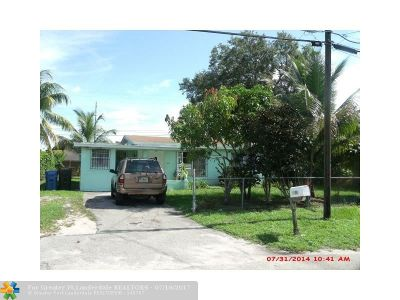 Oakland Park Single Family Home For Sale: 1999 NW 28th St