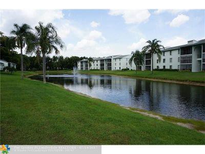 West Palm Beach Condo/Townhouse For Sale: 3588 Alder Dr #G2