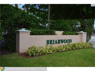 Coral Springs Condo/Townhouse For Sale: 3455 Brokenwoods Dr #2-M