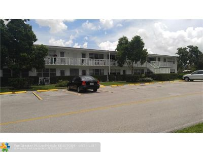 West Palm Beach Condo/Townhouse For Sale: 186 Berkshire I #186