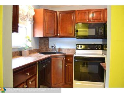 Wilton Manors Condo/Townhouse For Sale: 805 W Oakland Park Blvd #E-1