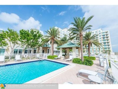 Boynton Beach Condo/Townhouse For Sale: 400 N Federal Hwy #S303