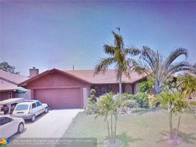 Pompano Beach Single Family Home For Sale: 5231 NW 76th Pl