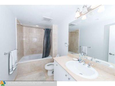 Boynton Beach Condo/Townhouse For Sale: 400 N Federal Hwy #S305