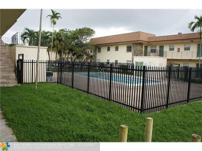 Lauderdale Lakes Condo/Townhouse For Sale: 4780 NW 24th Ct #C-119