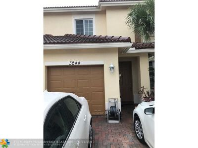 Oakland Park Condo/Townhouse For Sale: 3244 NW 32nd Ter #3244