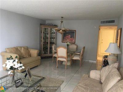 Miami Beach Condo/Townhouse For Sale: 6039 Collins Ave #509