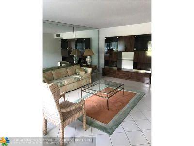 Deerfield Beach Condo/Townhouse For Sale: 1035 Ventnor H #1035