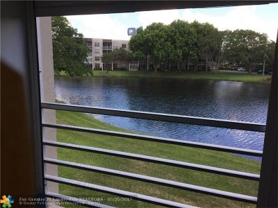 Davie Condo/Townhouse Backup Contract-Call LA: 9330 Lagoon Pl #205