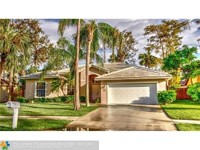 Lauderhill Single Family Home For Sale: 6425 NW 51st Ct