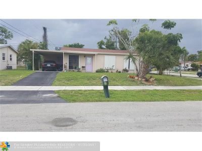 Lauderhill Single Family Home For Sale: 3451 NW 17th St