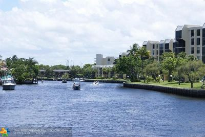 Boca Raton Condo/Townhouse For Sale: 21 Royal Palm Way #302