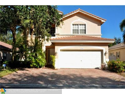 Pembroke Pines Single Family Home For Sale: 7279 NW 23rd St