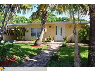Oakland Park Single Family Home For Sale: 1540 NE 32nd St