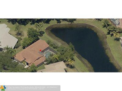 Weston Single Family Home For Sale: 1054 Fairfax Ln