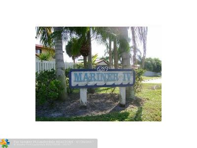 Lake Worth Condo/Townhouse For Sale: 6289 Lear Drive #203
