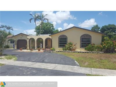 Broward County Single Family Home For Sale: 6251 SW 7th St