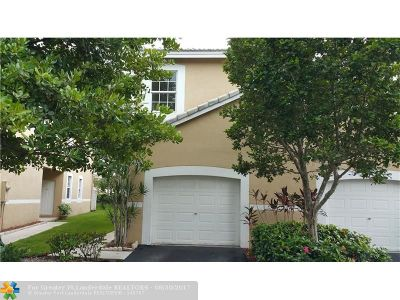 Weston Condo/Townhouse For Sale: 2002 Madeira Dr #2002