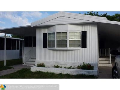 Pompano Beach Single Family Home For Sale: 5211 NW 4th Ter