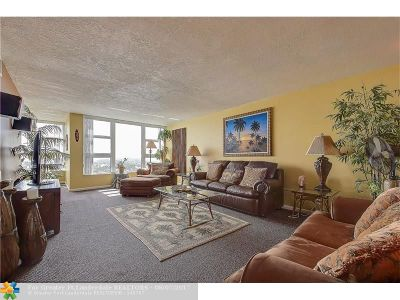 Lauderdale By The Sea Condo/Townhouse For Sale: 1620 S Ocean Blvd #16-L