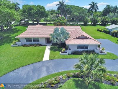 Boca Raton Single Family Home For Sale: 22396 Waterside Dr